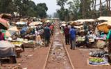 Kireka market, Kampala (Uganda). The train still uses this old British rails<br />©La Vanguardia / Poldo Pomés